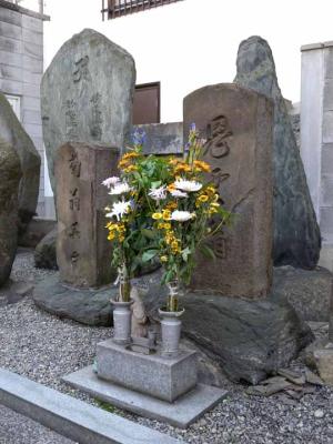 鬼貫・菊翁の墓2(鶴満寺)ds